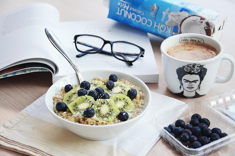 Kvinoja s kokosovim mlekom in medom