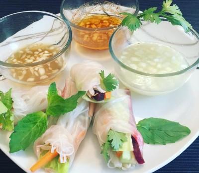 Spomladanski zavitki s tremi omakami za pomakanje - Malinčica