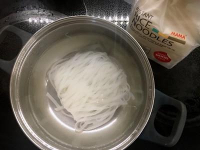 Mama riževi rezanci
